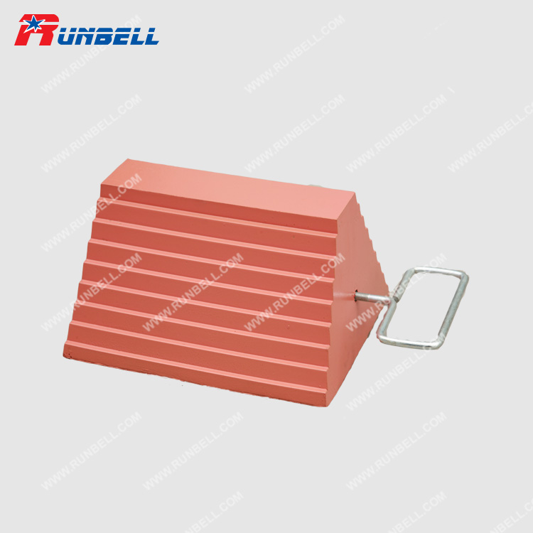 RUBBER WHEEL CHOCK - TS063G