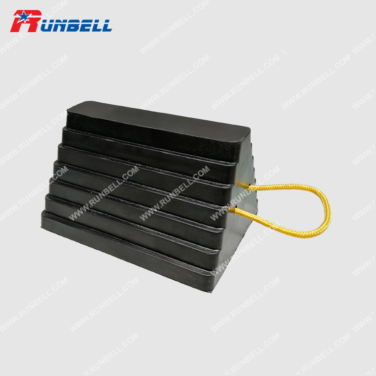 RUBBER WHEEL CHOCK - TS037WR