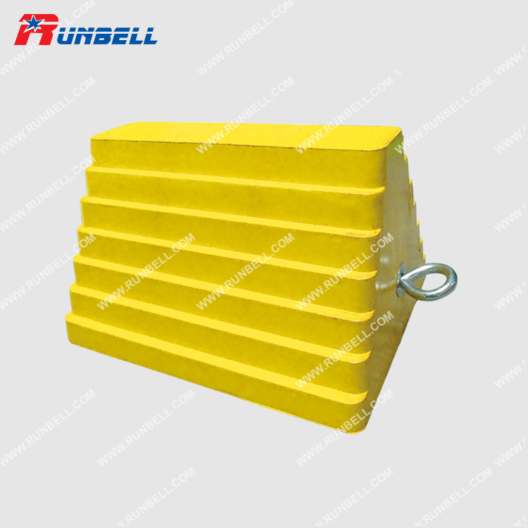 RUBBER WHEEL CHOCK - TS037G