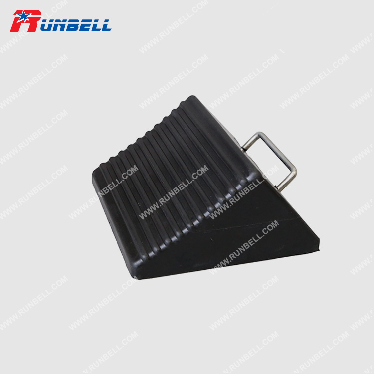 RUBBER WHEEL CHOCK - TS018
