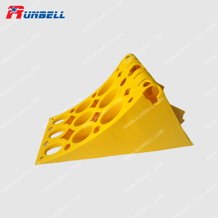 PLASTIC WHEEL CHOCK - TS194