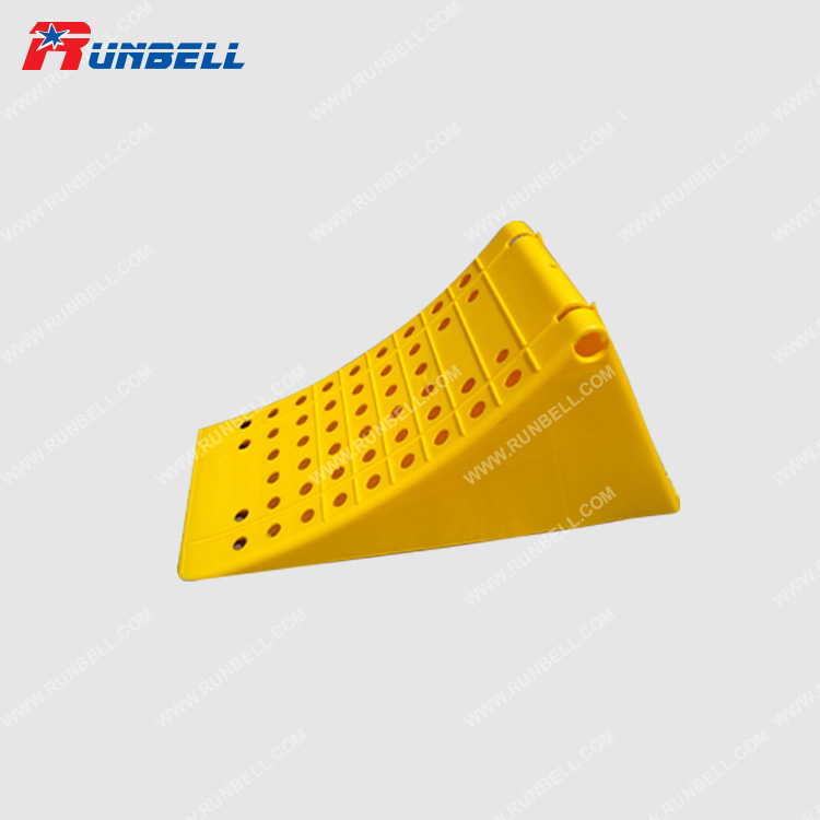 PLASTIC WHEEL CHOCK - TS195