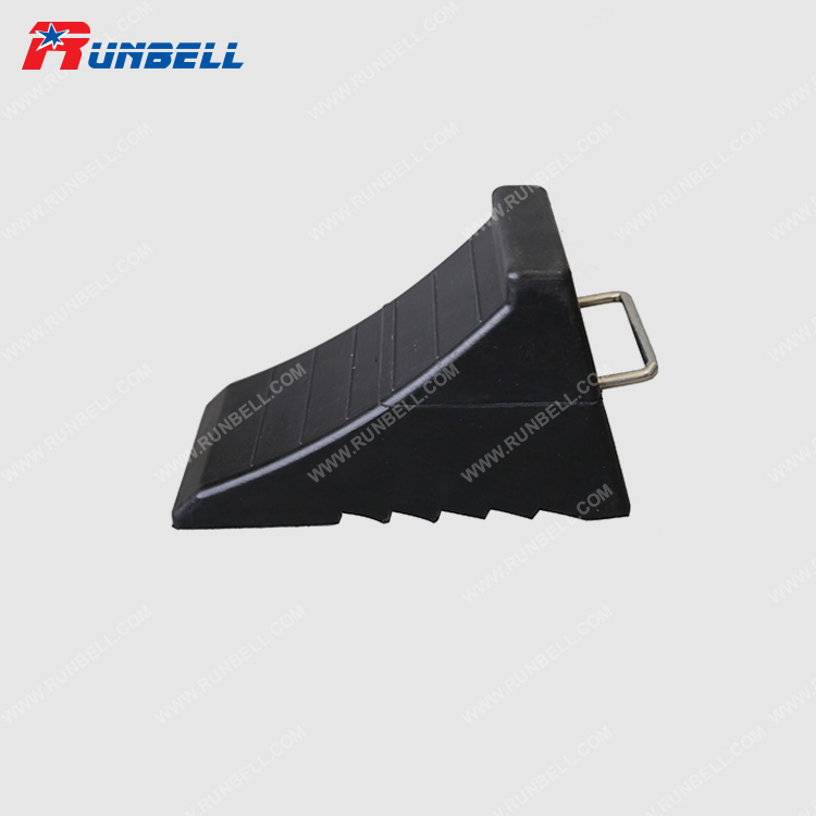 RUBBER WHEEL CHOCK - TS015