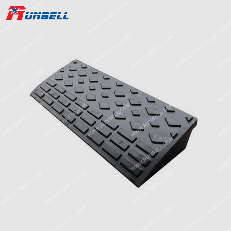 RUBBER CURB RAMP