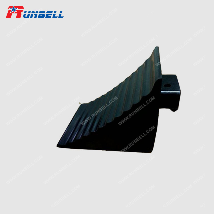 RUBBER WHEEL CHOCK - TS101R