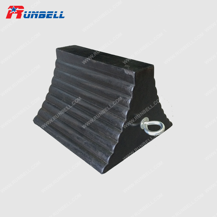 RUBBER WHEEL CHOCK - TS065
