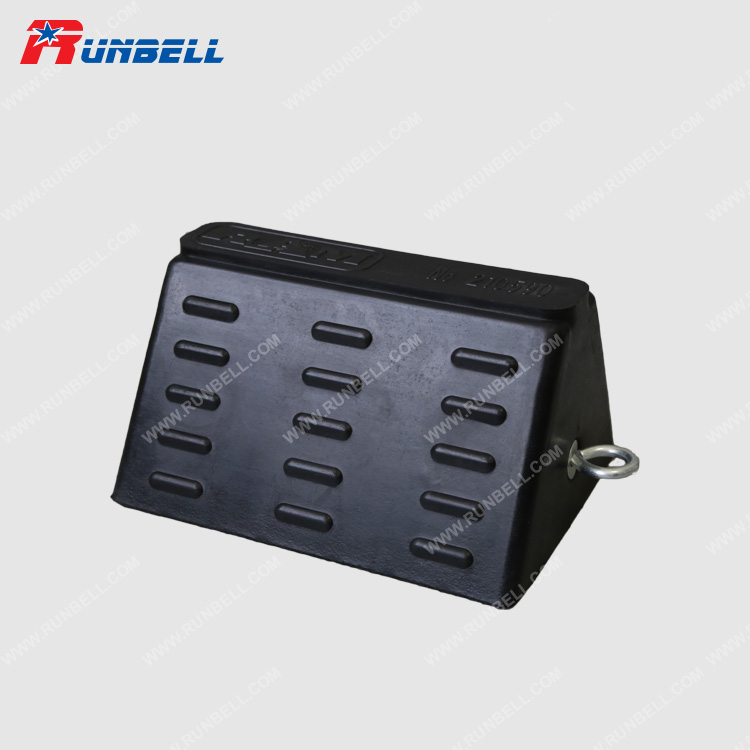 RUBBER WHEEL CHOCK - TS007