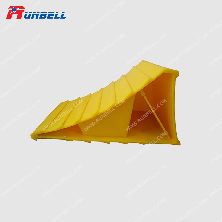PLASTIC WHEEL CHOCK - TS201