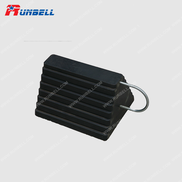 RUBBER WHEEL CHOCK - TS063R