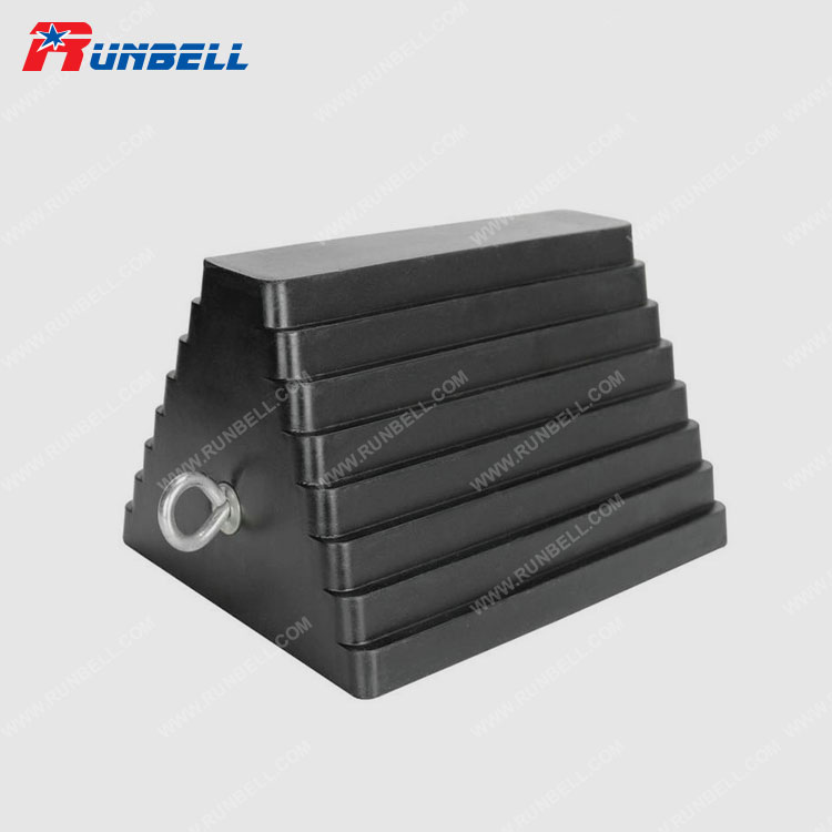 RUBBER WHEEL CHOCK - TS037